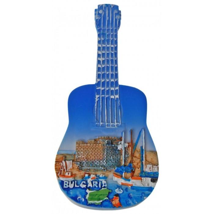 Декоративна фигурка китара с магнит, изработена от полирезин