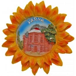 Сувенирна фигурка с магнит - слънце с изглед на операта във Варна