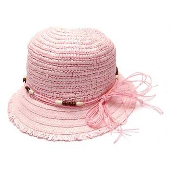 Лятна плетена шапка, декорирана с дървени мъниста