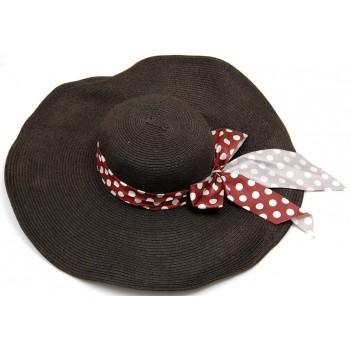 Красива дамска шапка с голяма периферия