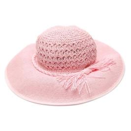 Красива дамска плетена шапка с голяма периферия