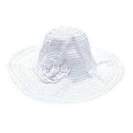 Красива платнена шапка с голяма периферия, декорирана с блестящи нишки