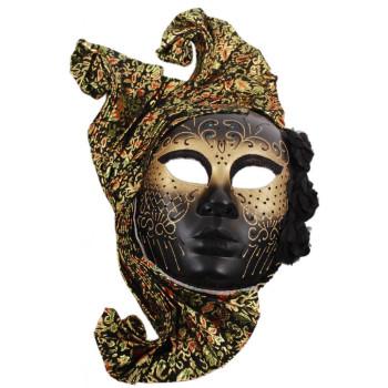 Декоративна маска за лице, украсена с три рози