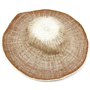 Красива дамска плетена шапка с голяма периферия - кафява