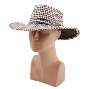 Лятна плетена шапка с регулиращи връзки, декоративен кант и метална катарама