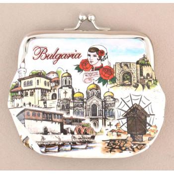 Сувенирно малко портмоне от изкуствена кожа с изобразени - Варна, Балчик, Несебър и Велико Търново