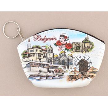 Сувенирно малко портмоне от изкуствена кожа с изобразени забележителности от Балчик, Варна, Несебър и Велико Търново