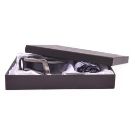 Луксозен подаръчен комплект, включващ вратовръзка с игла, кожен колан и химикал