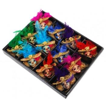 Декоративна фигурка маска с магнит, изработена от порцелан, текстил и естествени материали
