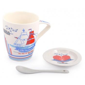 Красива керамична чаша с чинийка и лъжичка