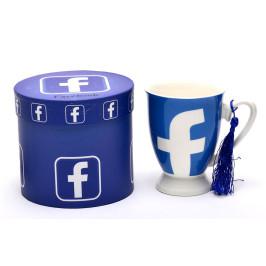 Керамична чаша с пискюл, декорирана с изображения на логота социални мрежи