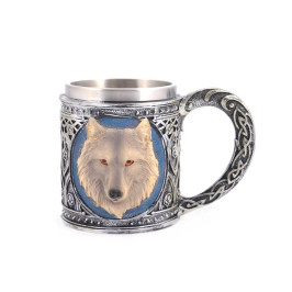 Нестандартна чаша за бира, декорирана с глава на бял вълк