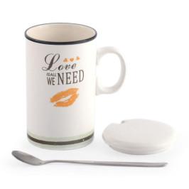 Красива керамична чаша с капаче и метална лъжичка, декорирана с надпис и рисунка
