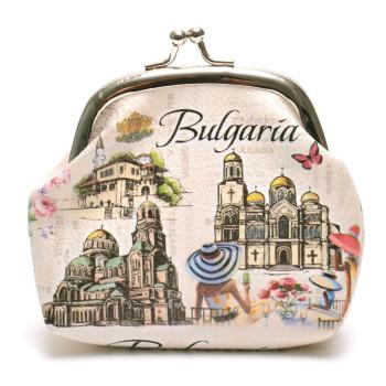 Сувенирно малко портмоне от изкуствена кожа с изобразени - двореца в Балчик, Варненската катедрала и храм - паметника Ал