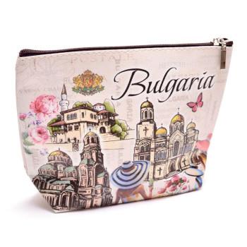 Сувенирна чанта тип голямо портмоне изработено от изкуствена кожа с изобразени на него - Двореца в Балчик, Варненската катедрала и храм - паметника Александър Невски