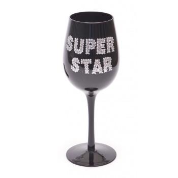 Чаша за вино, изработена от цветно стъкло