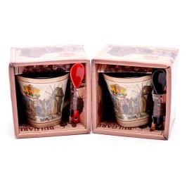 Сувенирна керамична чаша с лъжичка, декорирана със забележителности от Варна и Несебър