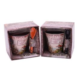 Сувенирна керамична чаша с лъжичка, декорирана със забележителности от Балчик, Варна, Несебър, Слънчев бряг и Созопол