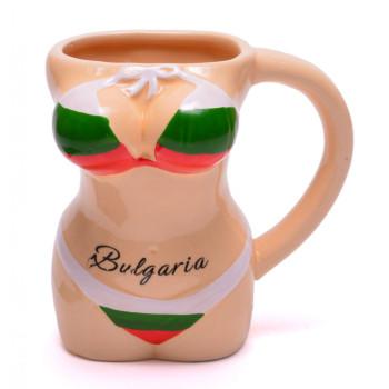 Забавна чаша във формата на женски торс с бански в цветовете на българския трикольор