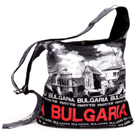 Дамска чанта, изработена от текстил с регулируемата дръжка и магнитно закопчаване