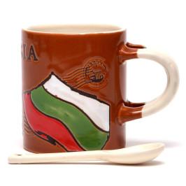 Сувенирна керамична чаша с лъжичка, декорирана с Варненската катедрала и Българския трикольор
