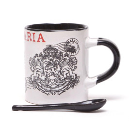 Сувенирна керамична чаша с лъжичка, декорирана с Варненската катедрала и Герба на Република България