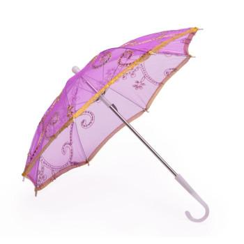 Парти артикул - чадър, изработен от нежен плат с фина бродерия