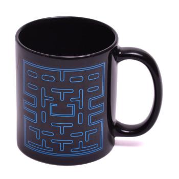 Магическа порцеланова чаша с декорация, която се променя след като се налее топла течност