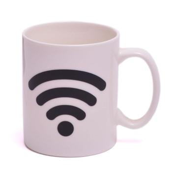 Магическа порцеланова чаша с декорация - Wi-Fi, която се променя след като се налее топла течност