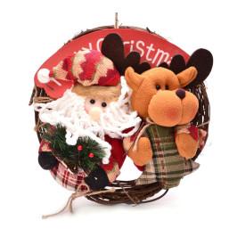 Красив коледен венец от дърво, с фигурки на Дядо Коледа и еленче и табелка