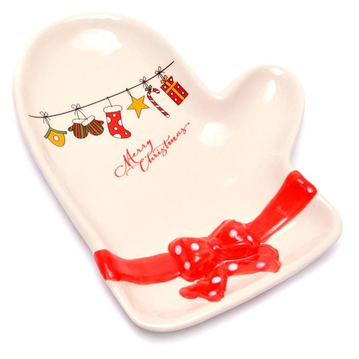 Красива чиния във формата на ръкавица, подходяща за празничната трапеза