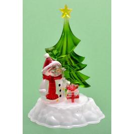 Декоративна, светеща фигурка - снежен човек до елха с подарък