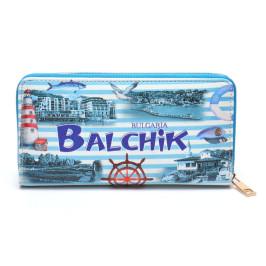 Цветно портмоне от изкуствена кожа, декорирано с изгледи от Балчик, рул и морски фар