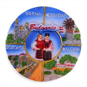 Сувенирна магнитна фигурка със забележителности от Балчик, Варна, Несебър и Созопол и мъж и жена в народни носии