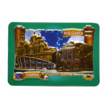 Сувенирна релефна пластинка с магнит, декорирана с Варненската катедрала, опера и спортна зала