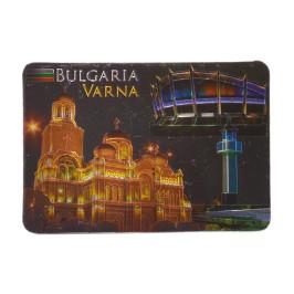 Сувенирна пластинка - картичка с магнит, декорирана със забележителности на Варна, осветени през нощта